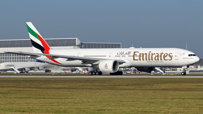 A6-EBM - Boeing 777-31HER - Emirates