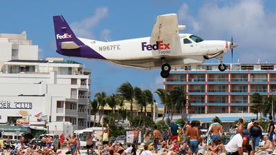 N967FE - Cessna 208B Super Cargomaster - FedEx Feeder (Mountain Air Cargo)