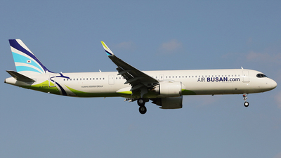 HL8366 - Airbus A321-251NX - Air Busan