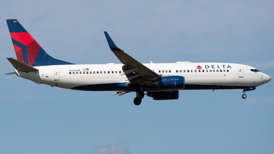 A picture of N3746H - Boeing 737832 - Delta Air Lines - © Chris Popovich