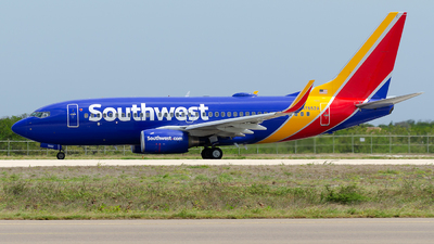 N7852A - Boeing 737-71B - Southwest Airlines