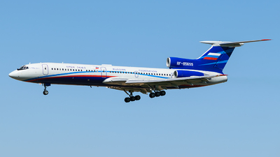 A picture of RF85655 - Tupolev Tu154M -  - © Adrian Painvin
