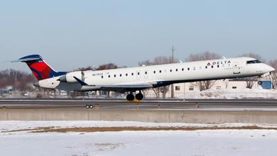 A picture of N678CA - Mitsubishi CRJ900LR - Delta Air Lines - © Alec Mollenhauer