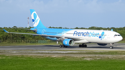 F-HPUJ - Airbus A330-323 - French Blue