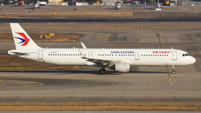 A picture of B8575 - Airbus A321211 - China Eastern Airlines - © Charlie-Aviationphotography