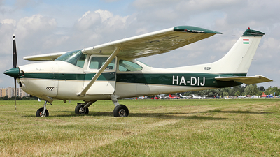 HA-DIJ - Cessna 182P Sealane - Private