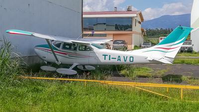 TI-AVO - Cessna 182P Skylane - Private