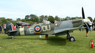 G-AWII - Supermarine Spitfire Mk.VC - Private