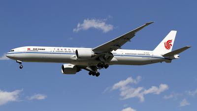 B-2040 - Boeing 777-39LER - Air China