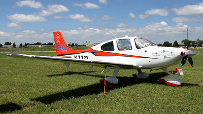 A picture of N77CX - Cirrus SR22 - [4051] - © Terry Figg