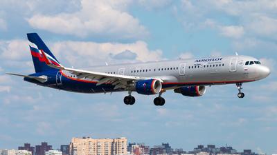 A picture of VQBTU - Airbus A321211 - Aeroflot - © KomradAlexey