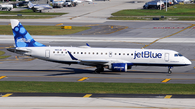 A picture of N183JB - Embraer E190AR - JetBlue Airways - © Alexander Portas