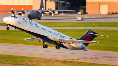 N906AT - Boeing 717-231 - Delta Air Lines