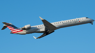A picture of N921FJ - Mitsubishi CRJ900ER - American Airlines - © Beck Ramsey