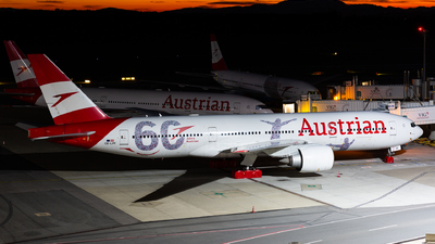 A picture of OELPF - Boeing 7772Q8(ER) - Austrian Airlines - © Thomas Ranner