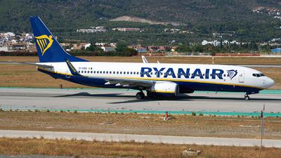 A picture of EIEBA - Boeing 7378AS - Ryanair - © Fernando Roca
