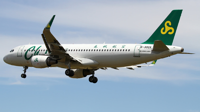A picture of B300X - Airbus A320214 - Spring Airlines - © M.T