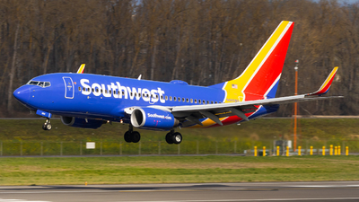 A picture of N484WN - Boeing 7377H4 - Southwest Airlines - © Sean Asay