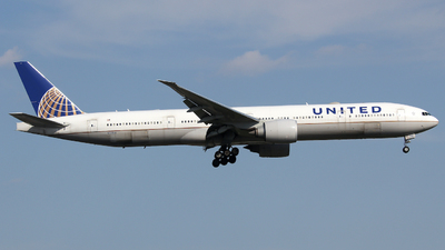 A picture of N2243U - Boeing 777322(ER) - United Airlines - © Xiamen Air 849 Heavy