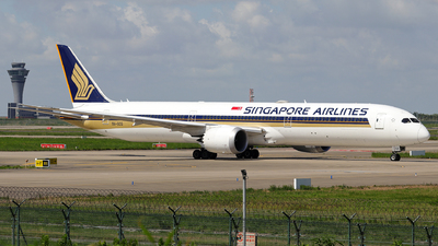 A picture of 9VSCG - Boeing 78710 Dreamliner - Singapore Airlines - © JJ Wang