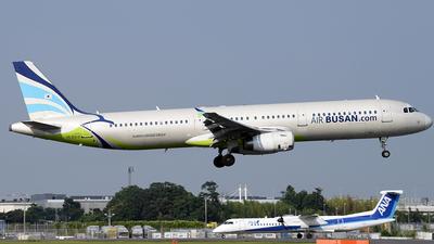 HL8213 - Airbus A321-231 - Air Busan