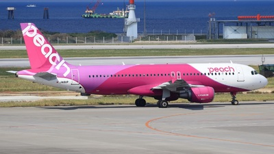 JA811P - Airbus A320-214 - Peach Aviation