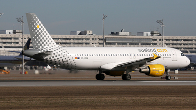 EC-MBM - Airbus A320-214 - Vueling Airlines