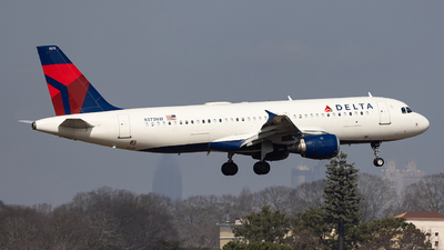 A picture of N373NW - Airbus A320212 - Delta Air Lines - © JinZi