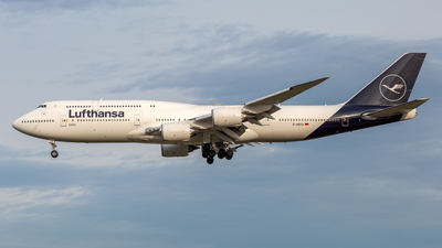 A picture of DABYA - Boeing 747830 - Lufthansa - © Lutz Herzog