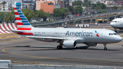A picture of N126UW - Airbus A320214 - American Airlines - © Juan Carlos Alvarez (MAS Aviation Press)