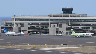 GCLA - Airport - Terminal