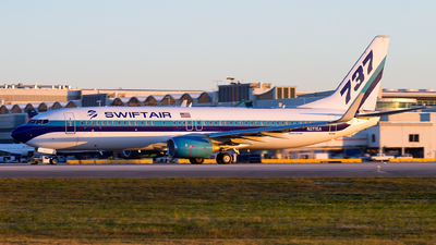 N277EA - Boeing 737-8CX - Swift Air