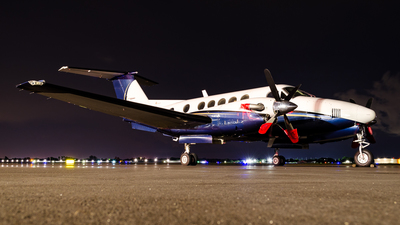 N880MB - Beechcraft 200 Super King Air - Private
