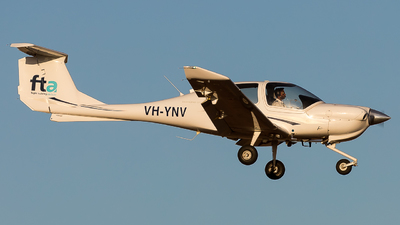 VH-YNV - Diamond DA-40 Diamond Star - Flight Training Adelaide