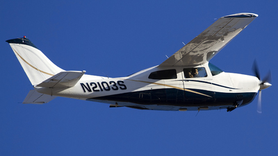 N2103S - Cessna 210L Centurion - Private