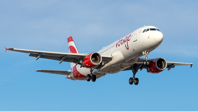 A picture of CGFCI - Airbus A320214 - Air Canada Rouge - © Tianyi Liu