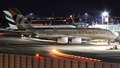 A6-APF - Airbus A380-861 - Etihad Airways