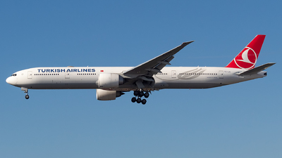 A picture of TCLJG - Boeing 7773F2(ER) - Turkish Airlines - © LorenzoAfonso