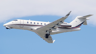 A picture of N778QS - Bombardier Challenger 350 - NetJets - © RZ