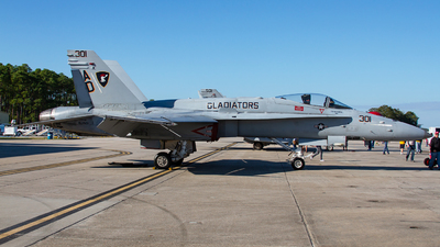 163429 - McDonnell Douglas F/A-18C Hornet - United States - US Navy (USN)