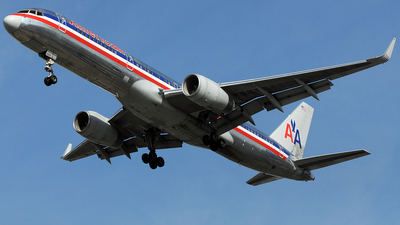 N698AN - Boeing 757-223 - American Airlines