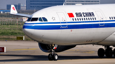 B-5932 - Airbus A330-243 - Air China