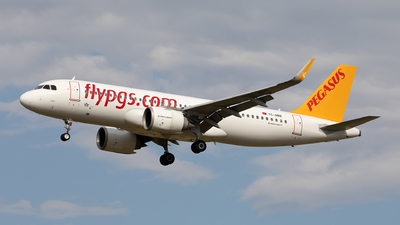 A picture of TCNBB - Airbus A320251N - Pegasus Airlines - © Hanjo Schrenk