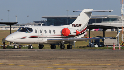 N600WM - Raytheon Hawker 400XP - Private