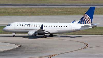 A picture of N88330 - Embraer E175LR - United Airlines - © Felipe Garcia