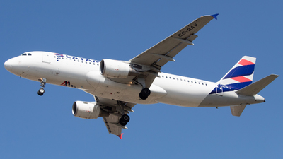 A picture of CCBAV - Airbus A320214 - LATAM Airlines - © Sebastián Fernández