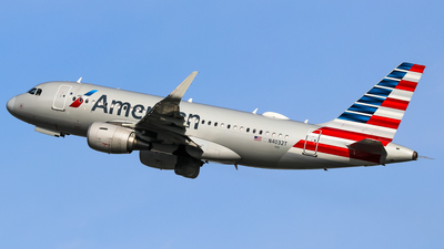 A picture of N4032T - Airbus A319115 - American Airlines - © Graham Dinsdale Collection