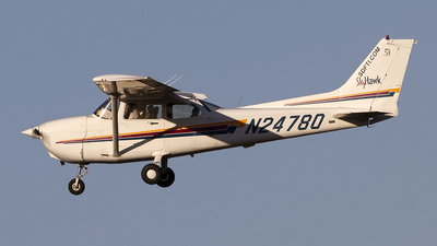 N24780 - Cessna 172R Skyhawk - San Diego Flight Training International