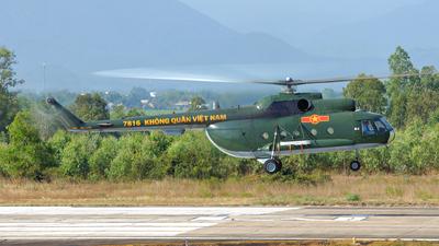 7816 - Mil Mi-8 Hip - Vietnam - Air Force