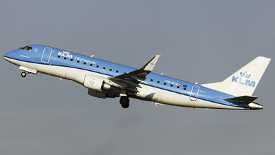 A picture of PHEXU - Embraer E175STD - KLM - © Kuba Kawczynski
